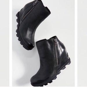 Sorel joan of arc II zip wedge boots black 8